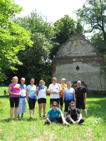 Cyklo: Kzrúcanine hradu Hrušov (22.6.2013)