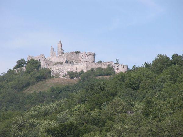 Plavecký hrad z Podhradia
